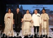 Sonam Kapoor And Karan Johar Rock The Ramp Of Abu Jani Sandeep Khosla
