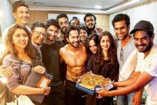 Alia Bhatt and Varun Dhawan wrap up KALANK with a Pizza party