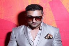 Yo Yo Honey Singh is the KING of Chartbusters!