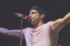 Farhan Akhtar treats fans with next music video 'Seagull'