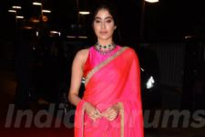 Janhvi Kapoor Brings Back Sridevi's Sartorial Memories With This Look