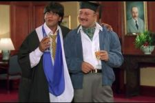 Shah Rukh-Anupam Reminiscing Golden days of DDLJ is too cool!