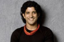 Farhan Akhtar to bond with Hrithik, Abhay in sister's film