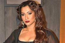 Gauhar walked, danced on ramp for Joy Mitra at WIFW