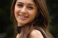 Hansika touched by Japanese fans