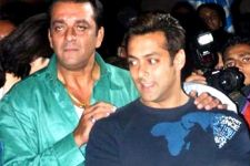 "Salman Khan And Sanjay Dutt's Die Hard Fans In ""Munna Bhai Sallu"
