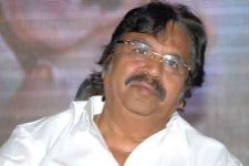 Dasari supports RGV's film auctioning idea