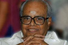 Thousands gather to pay their last respects to Balachander