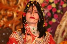 B-Town reacts on Radhe Maa controversy