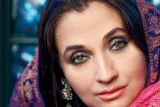Challenging job to make films on homosexuality: Salma Agha