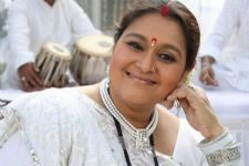 What are artistes gaining by returning awards, asks Supriya Pathak