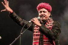 Mame Khan enthralls audience at 'Awestrung' concert