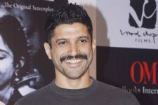 When Farhan Akhtar out chased a vehicle!