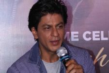 SRK ticked-off with posers on security cover