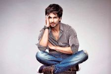 Shahid Kapoor garners four million Instagram followers