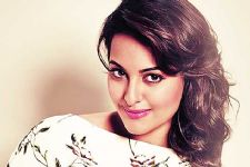 Sonakshi Sinha to walk for Anita Dongre at LFW