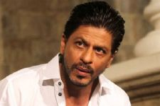 You won't believe what this Fan did to SCARE Shah Rukh Khan