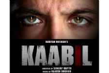 Hrithik grips all with intense eyes in sneak peek of 'Kaabil'