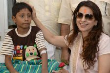 Juhi Chawla meets thalassemic children in Kolkata