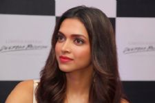 MMA star struggles to spell Deepika Padukone's name
