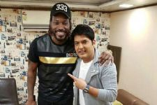 Chris Gayle shakes a leg on Kapil Sharma's show!