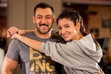 One realises Salman's CRAZE when you work with him says Anushka!