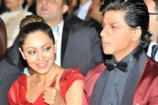 What! Shah Rukh Khan's family puts restriction on him!