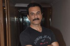 Safer to work with a first-time director: Pavan Malhotra