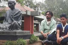 IRRFAN takes son on HISTORICAL TOUR on Father's Day!