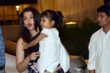Aishwarya explains why she keeps Aaradhya close to her!