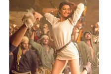 Jacqueline Fernandes, the only GIRL with 200 MEN on set!
