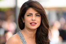 Priyanka gets jittery before singing at IIFA stage