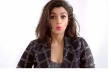 Alia loves her bold, glamourous look in new campaign