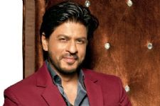 Shah Rukh thrilled over D'Decor's digital step!