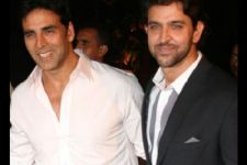 Hrithik Roshan PROVES that Friendship is above any CLASH