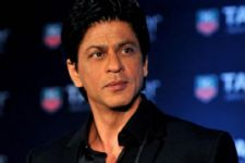 Shah Rukh Khan CLEARS the air about rumours surrounding his roles