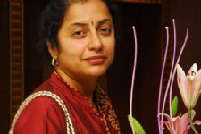 Actress Suhasini to direct a stage play