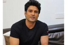 Not a professional singer but love crooning: Rajeev Khandelwal