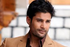 Rajeev Khandelwal to make singing debut