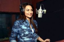 Sonakshi Sinha excited about singing live