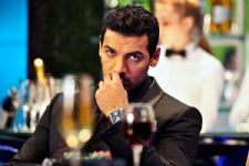 John Abraham doesn't follow the trend