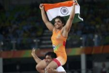 Celebrities hail Sakshi Malik's OLYMPIC WIN!