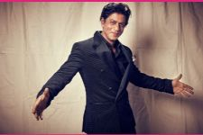 This video of SRK  will make you fall in love with him! AGAIN!