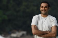 What kept Abhay Deol AWAY from Bollywood?
