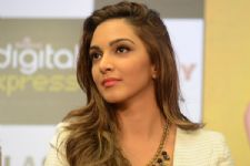Why is Kiara Advani missing from M.S. Dhoni's promotion?
