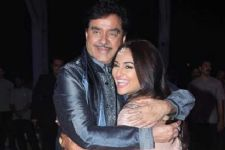 Shatrughan Sinha is a proud father!