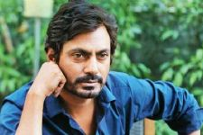 Nawazuddi Siddiqui CAUGHT selling...
