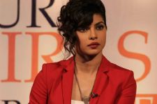Priyanka Chopra demands 1.5 CRORE PER DAY!