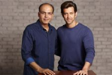 Hrithik puts an End to his fight with Ashutosh Gowarikar