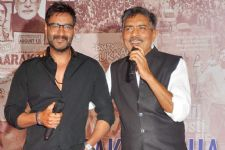 Prakash Jha comes out in SUPPORT of Ajay Devgn